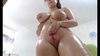 Awesome-Wet-Chubby-Huge-Boobs-Squirting-Camgirl