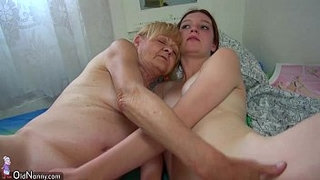 Nice-Old-granny-teaches-Nice-girl-masturbate