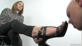 Foot-Fetish-domination-by-Mistress-Star