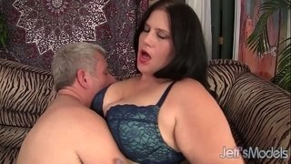 Beautiful-BBW-Becky-Butterfly-loves-riding-fat-dicks.