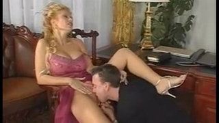 milfsonly.blogspot.com-Hot-Milf-gets-fucked
