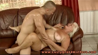 Blonde-mature-granny-bouncing-on-dick