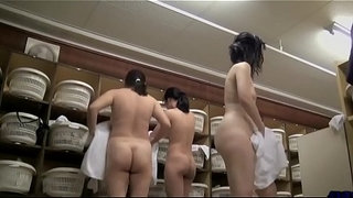 Japan-changing-room-spy-cam-5-Full:-corneey.com/w1JTp6
