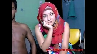 newly-married-indian-srilankan-couple-live-on-cam-show