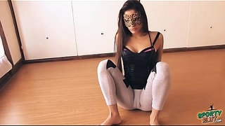 Big-Botty-Teen-In-Tight-Yoga-Pants-Stretching-Her-Hot-Cameltoe!