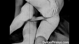 Vintage-Porn-from-the-1930s---Girl-Girl-Guy-Threesome