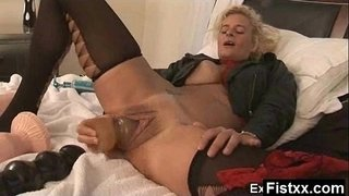 Yummy-Titty-Fisting-Wife-Naked-Solo