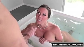RealityKings---Moms-Bang-Teens---Look-And-Learn