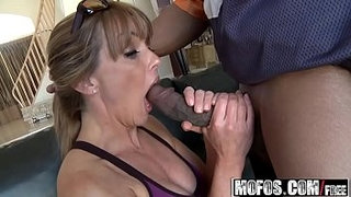 Mofos---Milfs-Like-It-Black---(Shayla-Laveaux)---Running-On-Da-Milf