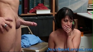 Real-shoplifter-swallows